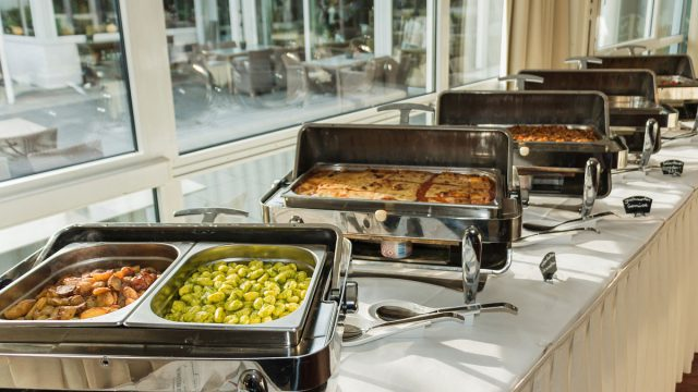 What is The Cheapest Food to Serve At a Wedding?